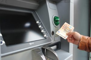 Ta ut pengar från ATM